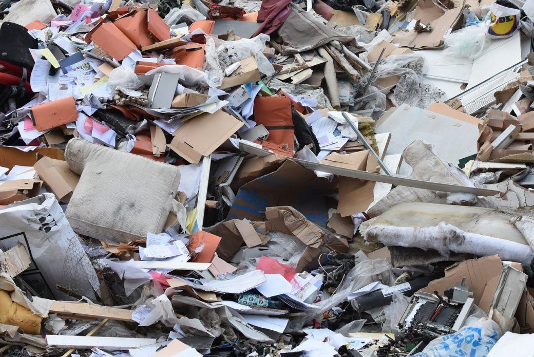 「ゴミ屋敷」と「散らかった家」はどう違うのか?